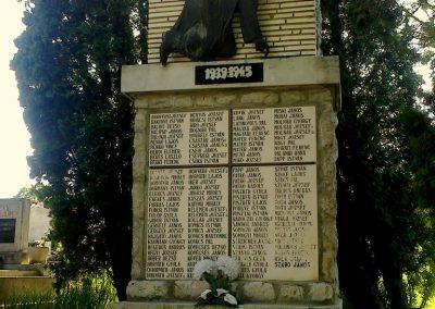 Pincehely II.vh emlékmű 2012.04.27. küldő-miki
