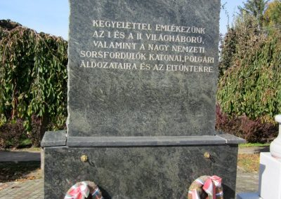 Piricse hősi emlékmű 2013.10.11. küldő-kalyhas (3)