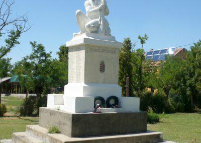 Pitvaros I. világháborús emlékmű 2012.07.14. küldő-Sümec (1)