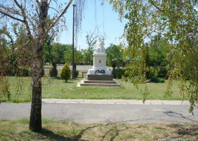Pitvaros I. világháborús emlékmű 2012.07.14. küldő-Sümec