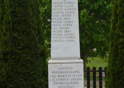Pogányszentpéter világháborús emlékmű 2009.04.21.küldő-Sümec (4)