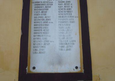 Polány világháborús emléktáblák 2009.07.21.küldő-Sümec (1)