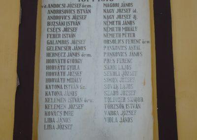 Polány világháborús emléktáblák 2009.07.21.küldő-Sümec (2)