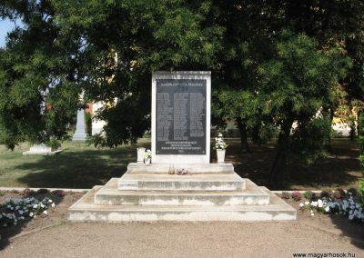 Polgár II.vh emlékmű 2007.08.23. küldő-Kályhás