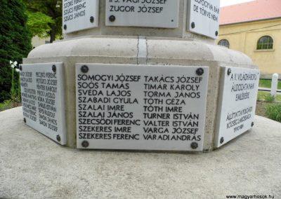 Polgárdi világháborús emlékmű 2015.06.19. küldő-Méri (18)