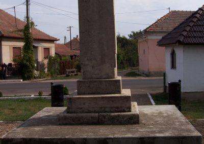 Poroszló világháborús emlékmű 2009.11.01. küldő-miki (3)