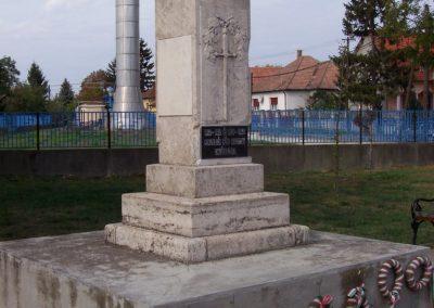 Poroszló világháborús emlékmű 2009.11.01. küldő-miki (5)