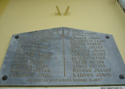Porrog világháborús emléktáblák 2009.05.12.küldő-Sümec (2)
