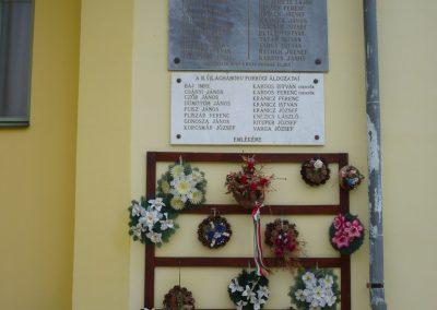 Porrog világháborús emléktáblák 2009.05.12.küldő-Sümec