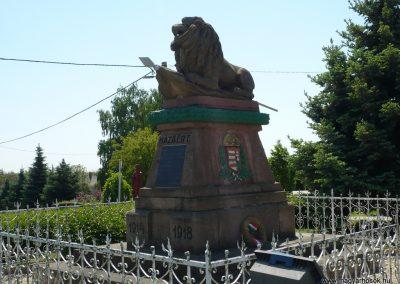 Porrogszentkirály világháborús emlékmű 2009.05.08.küldő-Sümec (3)