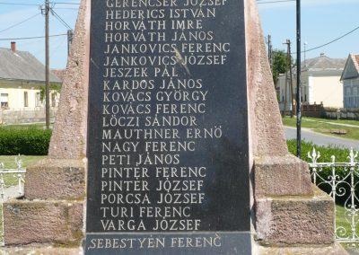 Porrogszentkirály világháborús emlékmű 2009.05.08.küldő-Sümec (5)