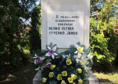 Pusztaberki hősi emlékmű 2012.04.25. küldő-kalyhas (2)