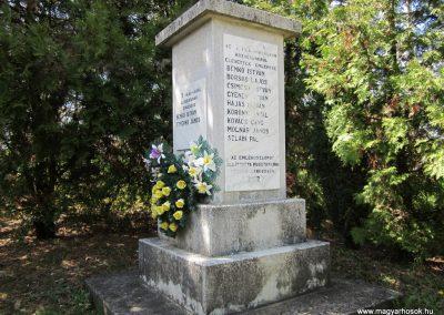 Pusztaberki hősi emlékmű 2012.04.25. küldő-kalyhas (3)