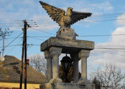 Pusztacsó világháborús emlékmű 2009.01.16.küldő-gyurkusz (1)