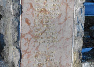 Pusztacsó világháborús emlékmű 2009.01.16.küldő-gyurkusz (2)