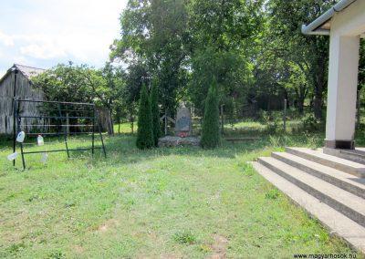 Pusztafalu világháborús emlékmű 2012.08.18. küldő-kalyhas