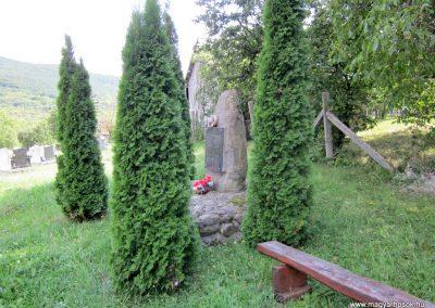 Pusztafalu világháborús emlékmű 2012.08.18. küldő-kalyhas (6)