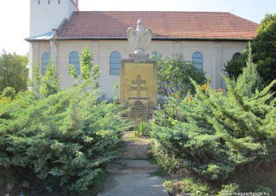 Pusztamérges világháborús emlékmű 2011.08.18. küldő-kalyhas (1)