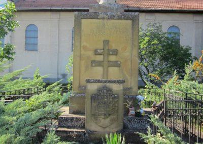 Pusztamérges világháborús emlékmű 2011.08.18. küldő-kalyhas (7)
