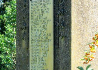 Pusztamérges világháborús emlékmű 2011.08.18. küldő-kalyhas (9)