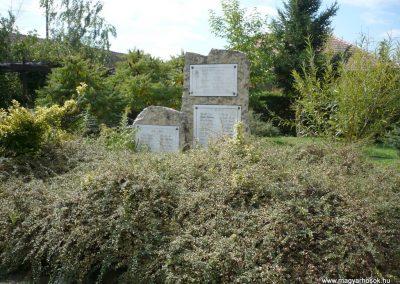 Pusztamiske világháborús emlékmű 2013.09.24. küldő-Sümec (1)