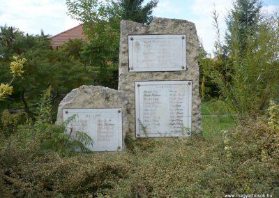 Pusztamiske világháborús emlékmű 2013.09.24. küldő-Sümec (2)