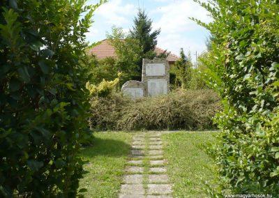 Pusztamiske világháborús emlékmű 2013.09.24. küldő-Sümec