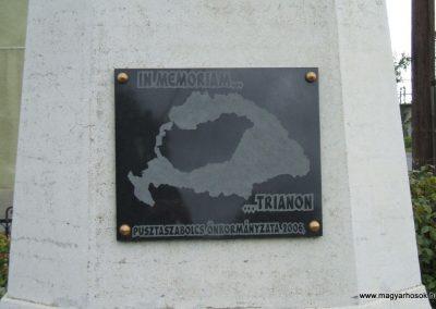 Pusztaszabolcs I.vh emlékmű 2009.08.29. küldő-Mimóza (4)