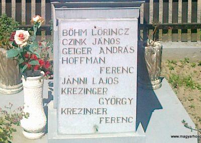 Pusztaszemes világháborús emlékmű 2010.08.26. küldő-Csiszár Lehel (9)