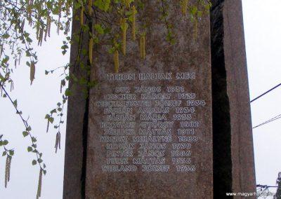 Pusztavám evangélikus templomkert II.vh emlékmű 2012.04.07. küldő-Méri (3)