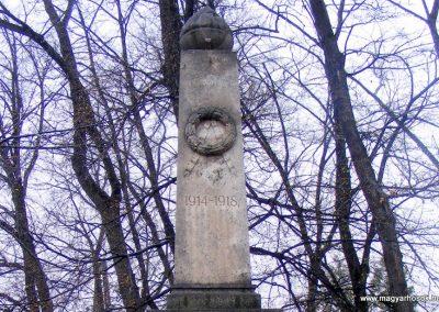 Pusztavám katolikus templomkert I.vh emlékmű 2012.04.07. küldő-Méri (1)