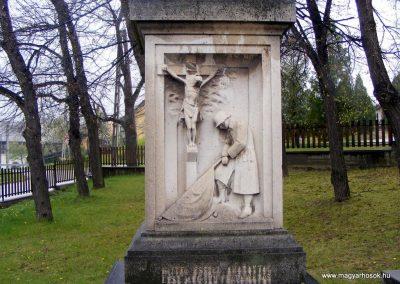 Pusztavám katolikus templomkert I.vh emlékmű 2012.04.07. küldő-Méri (2)