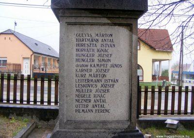 Pusztavám katolikus templomkert I.vh emlékmű 2012.04.07. küldő-Méri (4)