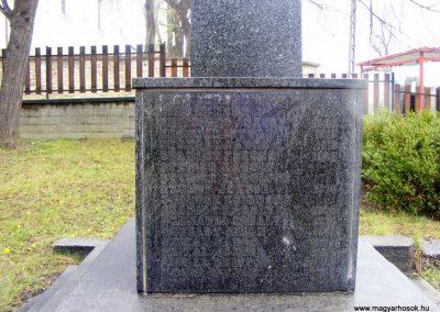 Pusztavám katolikus templomkert II.vh emlékmű 2012.04.07. küldő-Méri (5)