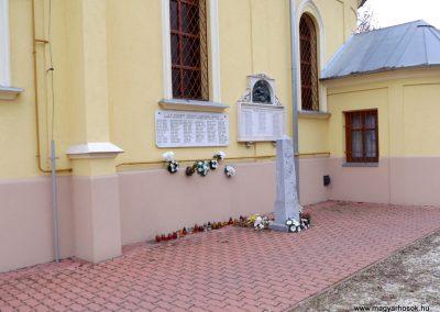Pusztavacs világháborús emléktáblák 2015.11.27. küldő-kalyhas (8)