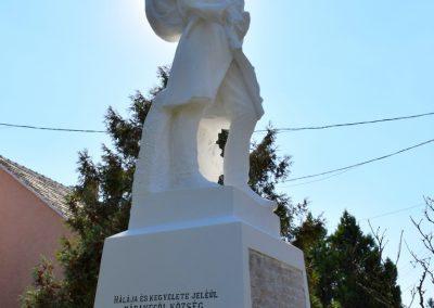 Rábakecöl I. világháborús emlékmű felújítás alatt 2016.09.30. küldő-Méri