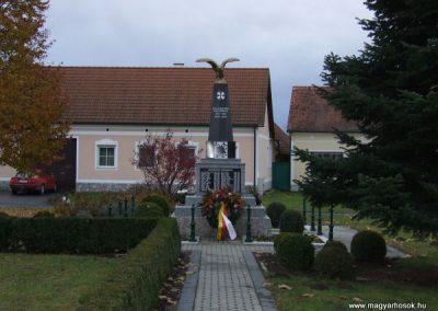 Rábakeresztúr-Heiligenkreutz világháborús emlékmű 2007.11.10. küldő-Nádicsikasz