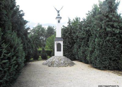 Rábatöttös világháborús emlékmű 2009.07.25.küldő-Papuska