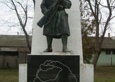 Ráckeresztúr I.vh emlékmű 2009.04.26.küldő-Magyar Benigna (1)