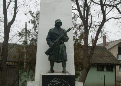 Ráckeresztúr I.vh emlékmű 2009.04.26.küldő-Magyar Benigna
