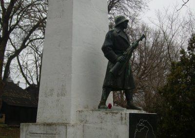 Ráckeresztúr I.vh emlékmű 2009.04.26.küldő-Magyar Benigna (5)