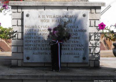 Rádóckölked világháborús emlékmű 2009.09.02.küldő-Gyurkusz (2)