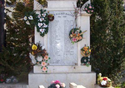 Rákóczifalva világháborús emlékmű 2009.04.02.küldő-miki (2)
