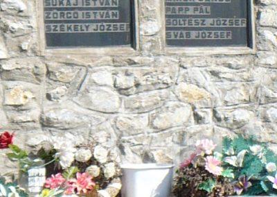 Rásonysápberencs világháborús emlékmű 2009.05.21.küldő-Gombóc Arthur (3)