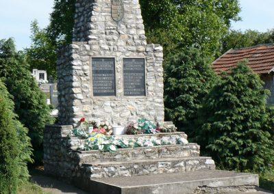 Rásonysápberencs világháborús emlékmű 2009.05.21.küldő-Gombóc Arthur