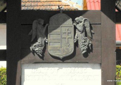 Rátót világháborús emlékmű 2012.05.05. küldő-gyurkusz (1)
