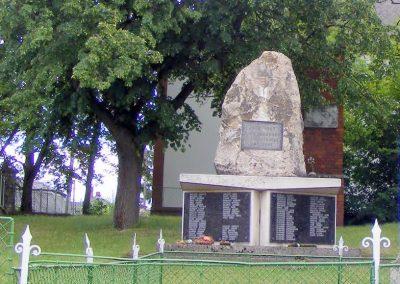 Réde II. világháborús emlékmű 2013.05.21. küldő-Méri (4)