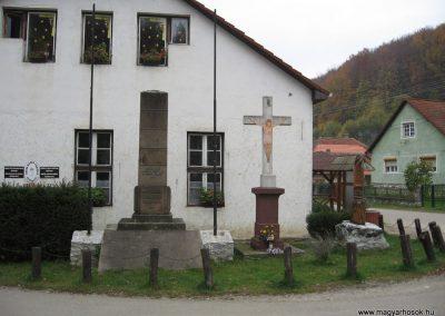 Répáshuta világháborús emlékmű 2008.10.26.küldő-Kályhás