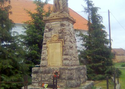 Rózsafa világháborús emlékmű 2012.05.14. küldő-KRySZ (7)
