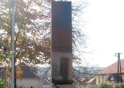 Rózsaszentmárton világháborús emlékmű 2008.10.13. küldő-kalyhas (4)
